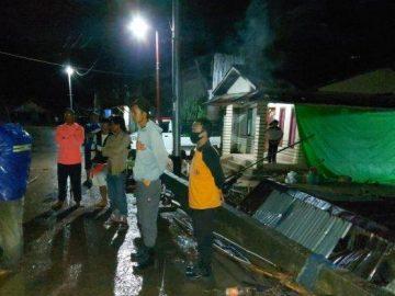 BREAKING NEWS - Banjir Bandang Terjang Desa Nekan Sanggau, Kepala BPBD Langsung Tinjau Lokasi