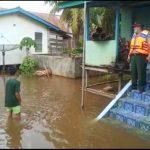 BPBD Sanggau Tinjau Pemukiman Warga di Tepian Sungai