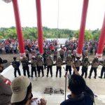 127 Personel Polres Sanggau Kawal 400 Masyarakat Adat Sampaikan Aspirasi di DPRD Sanggau