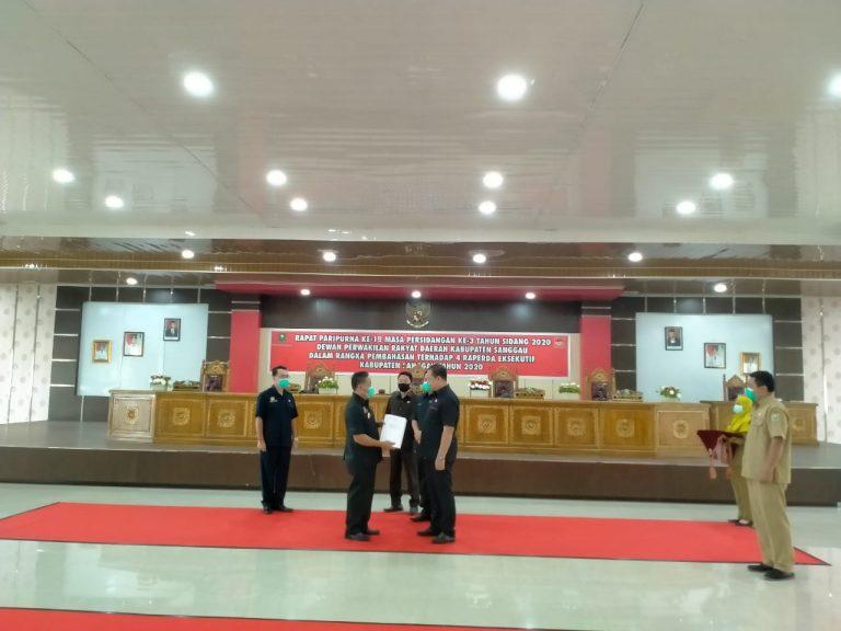 Rapat Paripurna DPRD Sanggau Dalam Rangka Pembahasan Empat Raperda Eksekutif