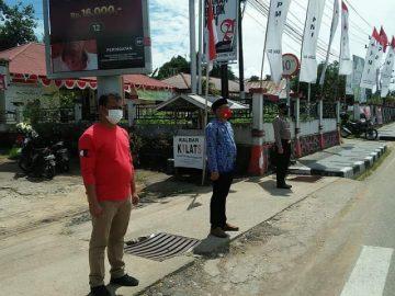 DINSOSP3AKB Kabupaten Sanggau Bersama POLRES Sanggau dan BPBD Kabupaten Sanggau Bagikan 580 Buah Masker
