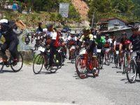 Ratusan Pesepeda Ikuti 'Gowes Tour De Entikong'