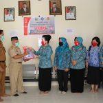 Dukung Gebrak Masker, TP PKK Kabupaten Sanggau Membagikan Sebanyak 3.100 Pcs Masker