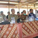 Pemkab Sanggau Memediasi Pertemuan Antara Masyarakat Desa Meranggau Dengan PT. PPC