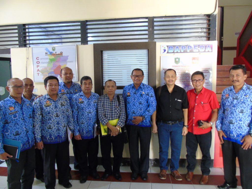 Seminar Pendahuluan Kajian Tinjauan Masalah Pelayanan Publik Di Kabupaten Sanggau Tahun 2017