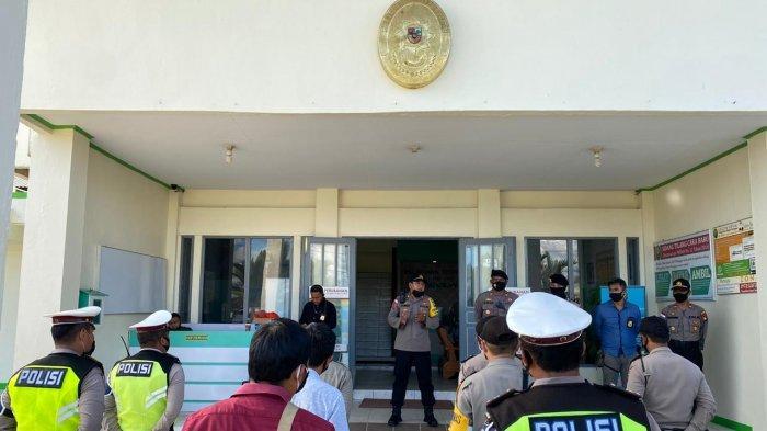 Kabagops Polres Sanggau Pimpin Pengamanan Sidang di Pengadilan Negeri Sanggau