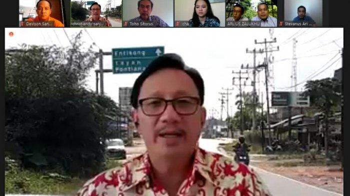 Masyarakat di Sanggau Keluhkan Anjloknya Harga Karet Kepada Christiandy