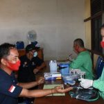 Pemdes Pusat Damai Gandeng PMI Sanggau Gelar Donor Darah Sukarela