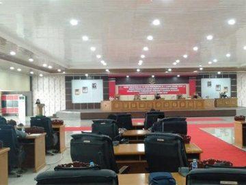 Rapat Paripurna DPRD Sanggau Bahas Pandangan Umum Fraksi Terhadap 4 Raperda Eksekutif