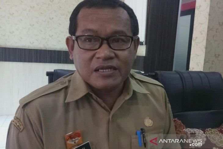 Pemkab Sanggau serahkan hibah mobdin ke Pengadilan Negeri