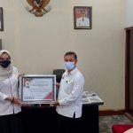 DINSOSP3AKB Kab Sanggau Terima Penghargaan dari KPPAD Prov Kalbar