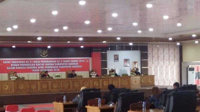 DPRD Sanggau Gelar Rapat Paripurna Dengan Agenda Jawaban Eksekutif Terhadap PU Fraksi