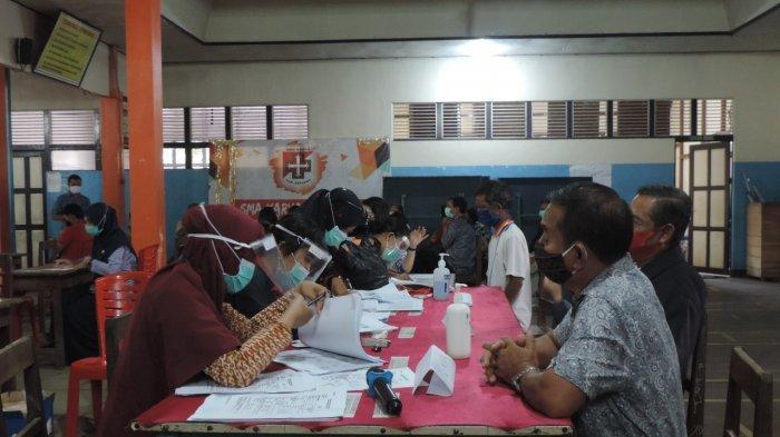 Dinas Kesehatan Sekadau Laksanakan Swab Test Pegawai Yayasan Karya Sekadau Keuskupan Sanggau