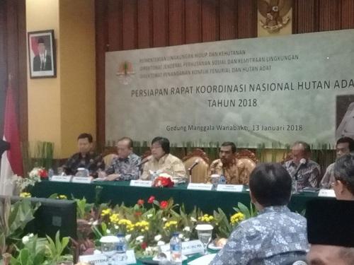 KEPALA DINAS LINGKUNGAN HIDUP IKUTI RAPAT KOORDINASI HUTAN ADAT TAHUN 2018 DI JAKARTA – Dinas Lingkungan Hidup