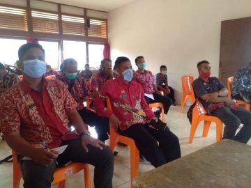Kepala Desa Se-Kecamatan Balai Hadiri Sosialisasi Program Nakertrans Sanggau