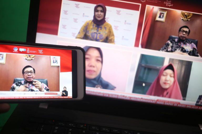 Dr. Abdul Kahar, M.Pd (Kepala Pusat Layanan Pembiayaan Pendidikan (Puslapdik) Kemendikbud) dalam dialog produktif bertema subsidi upah mendukung pendidik dan tenaga kependidikan non-PNS bersama Perwakilan Dosen dan Guru Honorer penerima Subsidi di Jakarta, Kamis, 19 November 2020.