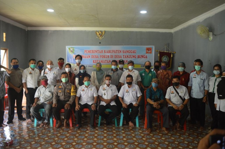 Bapenda Sanggau Koordinator Melaksanaan Desa Fokus di Desa Tanjung Bunga, Kecamatan Kembayan