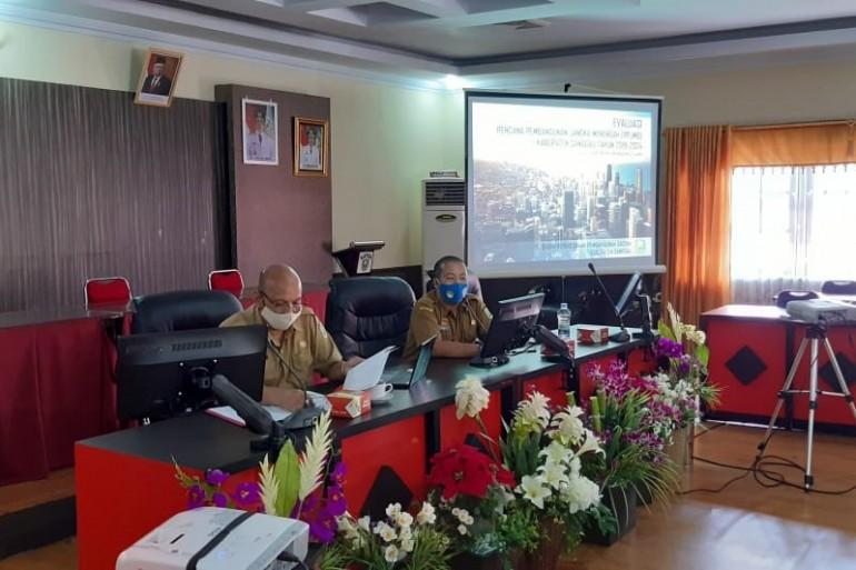 Bappeda Kabupaten Sanggau Menggelar Rapat Pembahasan Laporan Awal/Pendahuluan Evaluasi Rencana Pembangunan Jangka Menengah Daerah Kabupaten Sanggau Tahun 2019 - 2024