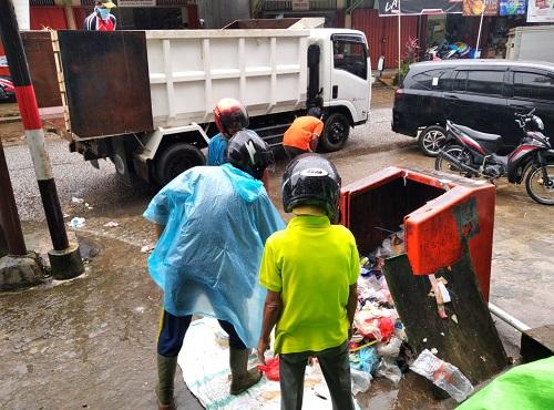 Berhujan ria untuk bersihkan Kota – Dinas Lingkungan Hidup
