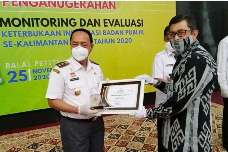 PPID Kabupaten Sanggau Raih Peringkat II Keterbukaan Informasi Publik