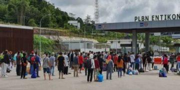 Delapan PMI bermasalah dideportasi melalu PLBN Entikong