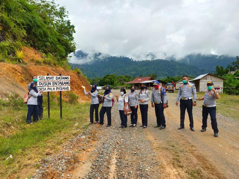Pembinaan Desa Fokus di Desa Pala  Pasang Kecamatan Entikong