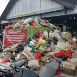 Timbulan Sampah menumpuk di Pasar Sosok, DLH bantu pengangkutan ke TPA – Dinas Lingkungan Hidup
