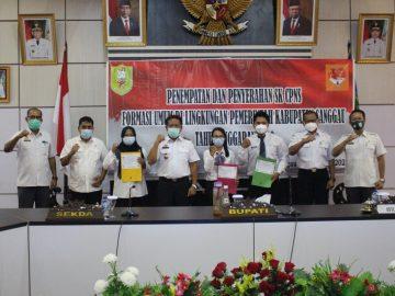 Bupati Sanggau Serahkan SK CPNS Formasi Umum, Ini Pesan Bupati Sanggau