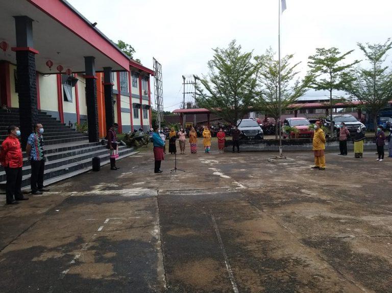 Apel Pagi Peringati Hari Jadi Kalimantan Barat Ke-64 di Kantor Dinas Pendidikan dan Kebudayaan Kab.Sanggau