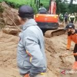 Bencana tanah longsor sapu rumah warga di Tayan