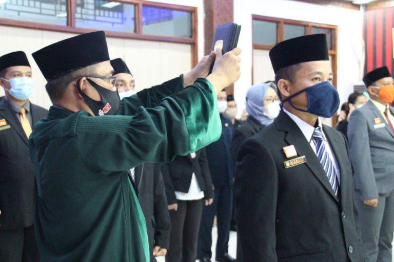 Sebanyak 31 Pejabat Dilantik, Bupati Sanggau Ingatkan ASN Digaji Dari Uang Rakyat
