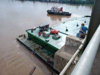 Jembatan Semuntai Ditabrak Tongkang