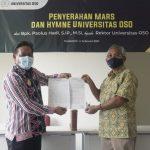 Bupati Sanggau Serahkan Notasi Lagu Hymne dan Mars Universitas OSO