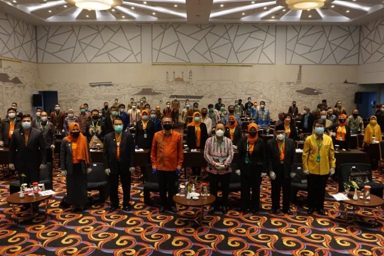 Wakil Bupati Sanggau Menghadiri Kongres Provinsi Ikatan Keluarga Alumni Pendidikan Tinggi Kepamongprajaan (DPP-IKAPTK) Tahun 2021