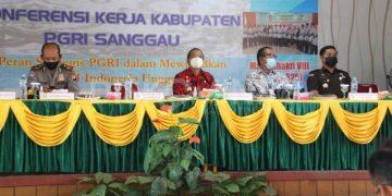 Wabup Sanggau Membuka Kegiatan Konferensi Kerja PGRI Kabupaten Sanggau