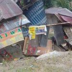 Longsor Robohkan Delapan Rumah di Entikong