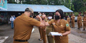 Penyerahan DPA Tahun Anggaran 2021 di Badan Kepegawaian dan Pengembangan Sumber Daya Manusia Kabupaten Sanggau