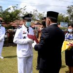 Plt. KADIS Porapar menghadiri Pelantikan 72 Kepala Desa Kabupaten Sanggau 2021