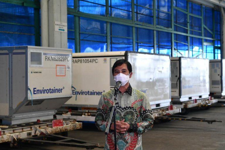 Di tengah tingginya permintaan vaksin COVID-19 di seluruh dunia, Indonesia berhasil mengamankan vaksin COVID-19 dari sejumlah produsen untuk program vaksinasi gratis.