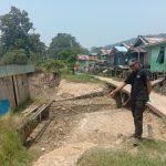 Abrasi Pantai Ancam Rumah Warga di Tepi Sungai Kapuas Pebaok, Tayan Hilir, Levan : Kita Perjuangkan Dibangun Penahan Tebing