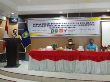 Pembukaan Diklat Teknis Penyusunan Renstra dan Renja Perangkat Daerah Kabupaten Sanggau Tahun Anggaran 2021