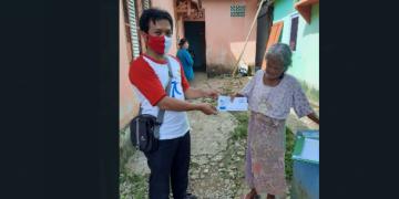 Yayasan Baitul Maal PLN Sanggau salurkan bantuan warga kurang mampu