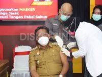 Bupati dan Wakil Bupati Sanggau Melakukan Vaksin Covid-19