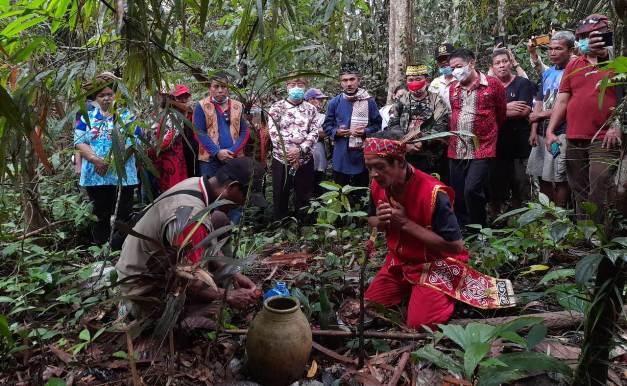 Ritual Tembawang Balek Angin, Mengenang Cikal Bakal Kota Sanggau