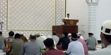 Shalat Tarawih Hari Pertama Sambut Puasa di Masjid Agung Sanggau Terapkan Prokes