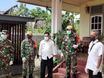 Cegah Sebaran Covid-19, Tim Gabungan Semprotkan Disinfektan di Pulau Tayan