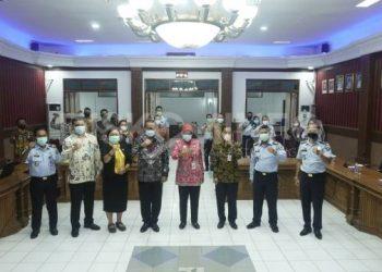 Sekda Sanggau Membuka Kegiatan Diseminasi Pelayanan Publik Berbasis HAM (P2HAM)