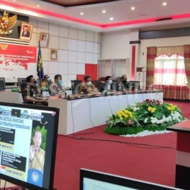 Bupati Sanggau Bersama Forkompimda Ikuti Rakor Kepala Daerah se-Indonesia dan Mendengarkan Arahan Presiden RI