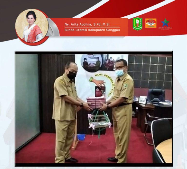Sedekah Buku Dari Sekretaris Daerah Kabupaten Sanggau.