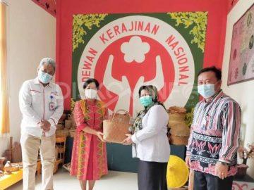 Ketua Dekranasda Kabupaten Sanggau Menerima Kunjungan Direktur KIE ADPIN Jakarta